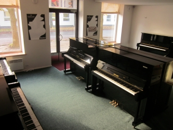 Hansa Pianos müügisalong