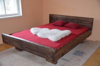 massiivne paks voodi mänd