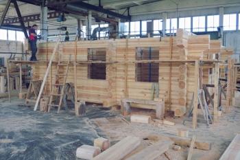 Palkmaja valmistamine Saaremaal