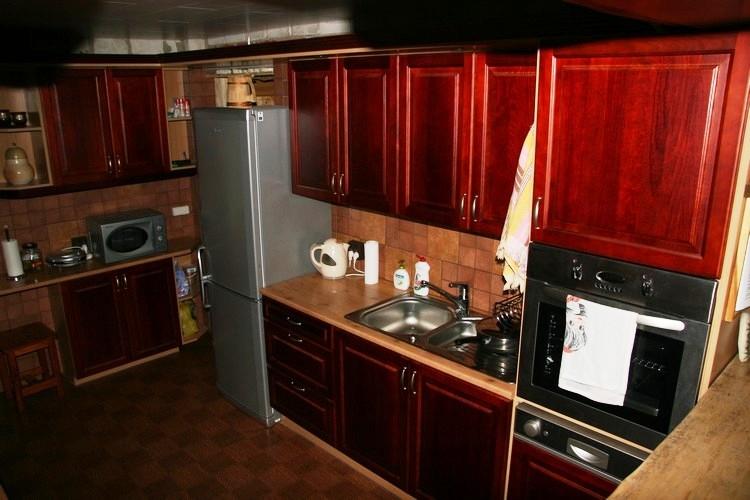 Maja köögis