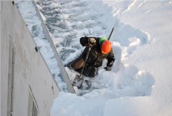 purikas jaapurikas eemaldamine jaapurikate lumetorje katustelt lumi frees lumefrees jaa jaapurikad katused lumi katusel lume eemaldamine katuse puhastamine (8)